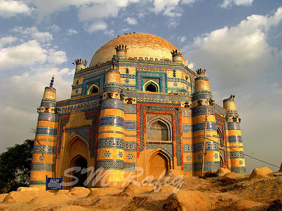 05 Shrine of Bibi Jawindi Uch Sharif Pakistan in 15 Beautiful and Amazing Pictures of Pakistan