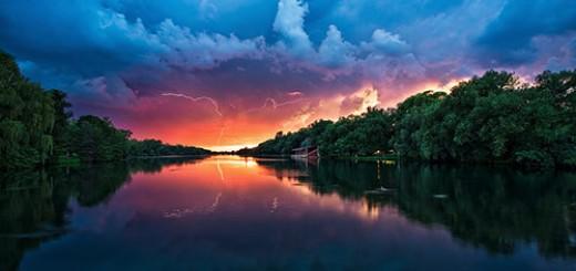 Island-Lightning