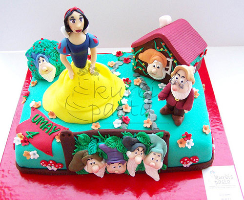 Snow White & the Seven Dwarfs - Creative Cake Designs