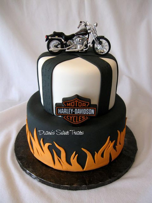 28 harley cake in 40 Creative Cake Designs Which Will Make You Look Twice