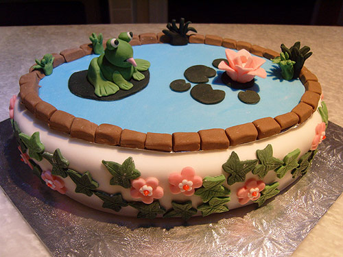 39 frog cake in 40 Creative Cake Designs Which Will Make You Look Twice
