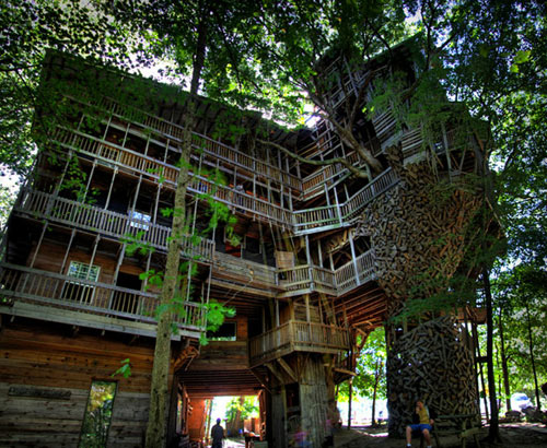 World's largest tree house in Crossville, TN