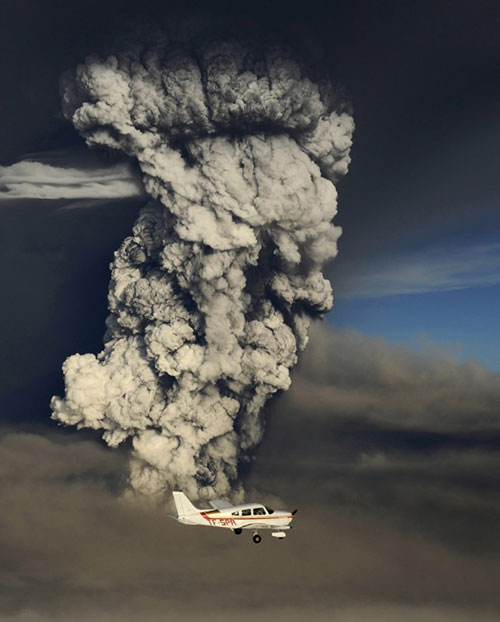 Grimsvotn Volcano Eruption Smoke and Plane