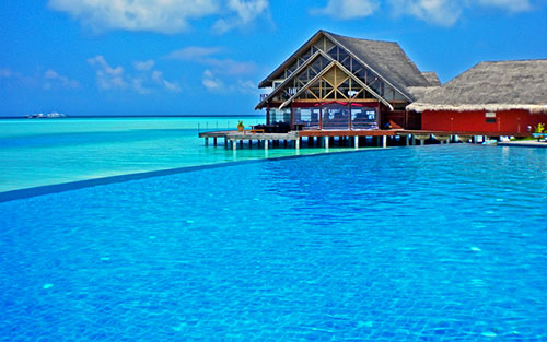 Infinity Pool at Anantara Dhigu, Maldives